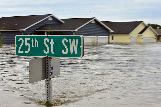 Flooding in Minot